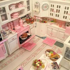 Best 12 9 Wonderful Tips AND Tricks: Shabby Chic Pattern Cottages shabby chic bedroom gold.Shabby Chic Modern Old Doors. Cocina Shabby Chic, Shabby Chic Kitchen, Shabby Chic Decor, Vintage Kitchen, Kitchen Decor, Mini Kitchen, Miniature Kitchen, Barbie Furniture, Dollhouse Furniture