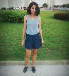Look básico com short risca de giz. #streetstyle #fashion #moda #itgirl #lookdodia