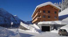 Skigebiet Damüls in Österreich, Winterurlaub - InAustria Hotels, Austria, Opera House, Skiing, Building, Travel, Outdoor, Ski Trips, Winter Vacations