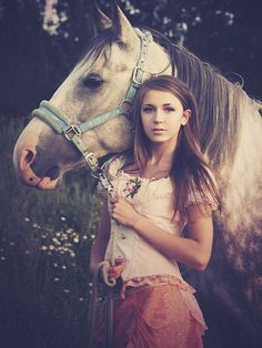 girl and her horse - SO need to do this shoot!