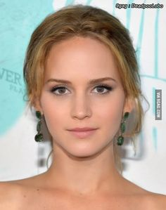 The Internet Goddess: Emma Lawrence