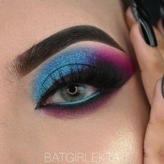 Smoke Eye Makeup, Eye Makeup Art, Blue Makeup, Face Makeup Tips, Eye Makeup Steps, Makeup Videos, Pink Eyeshadow, Eyeshadow Looks, Eyeshadow Makeup