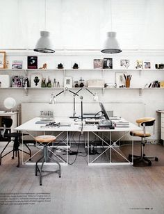 I want to put wall paper in my home office too! :D Home Office Design Ideas, Pictures of Home Office Designs, Home Office Suppose Design Office, Home Office Design, House Design, Office Designs, Home Office Inspiration, Workspace Inspiration, Sunday Inspiration, Office Workspace, Office Decor