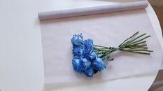 Single Flower Bouquet, Small Flower Bouquet, Diy Flower Crown, Bouquet Wrap, Gift Bouquet, Flower Arrangement Designs, Flower Arrangements, Making A Bouquet, How To Wrap Flowers