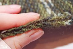 Bettsocken stricken Sofa, Crocheting, Tejidos, Sock Knitting, Tutorials, Creative, Couch, Settee, Sofas