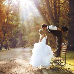 #фото #свадебнаяфотосессия #поцелуй #молодожёны #foto #kiss #wedding…