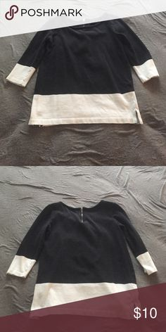 Black and white top Gap Factory black and white top. Zipper in the back of it. GAP Tops