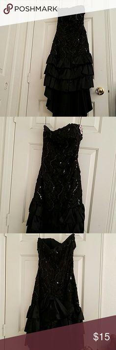 LA Glo vintage black sequin dress Vintage glamorously sequined black prom dress, like new. Stylish asymmetrical hem, short in front and long in back. Zipper on back. L.A. Glo Dresses Prom