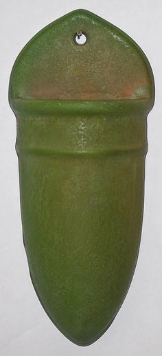 roseville pottery matte green wall pocket 1210 10 from just art pottery
