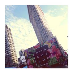 """""""fui atrás da felicidade e voltei com uma caixinha cheia de acessórios Mila Coelho."""" ❤️ #caixinha #milacoelholovers #compras #milacoelho #fashion #fashionjewelry #trend #moda #bijoux #atacado #floripa #acessórios"""