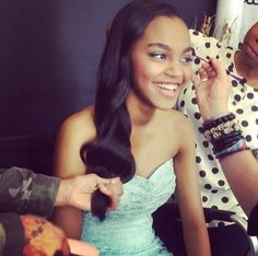 My fav person ever, so perfect💖 China Anne Mcclain, Love Her, Strapless Dress, Celebrities, People, Sisters, Parties, Glitter, Doll