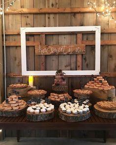 big wedding cakes Cupcakes, donuts and pies at the dessert table. Dessert Bar Wedding, Big Wedding Cakes, Wedding Desserts, Dessert Bars, Wedding Table, Dessert Tables, Cupcake Wedding Display, Rustic Cupcake Display, Pie Bar Wedding