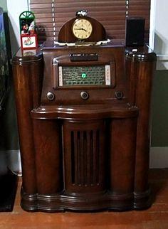 Tvs, Televisions, Vintage Toaster, Art Nouveau, Art Deco, Vintage Television, Old Time Radio, Retro Radios, Transistor Radio