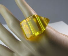 Vintage Translucent/Clear Bright Yellow Lucite Ring - Liquid Look - Size 7  (A)