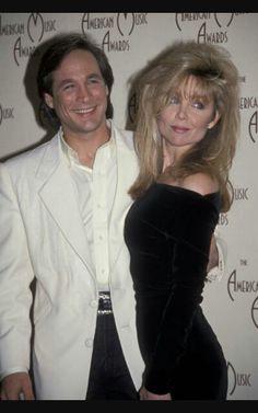 Singer actress lisa hartman black pinterest for Clint black married to lisa hartman