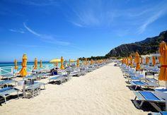Dieci cose da fare a Mondello: solo a Palermo una spiaggia così