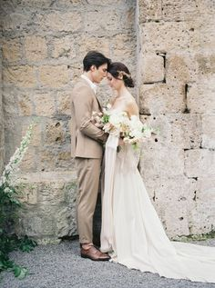 Elegant Italian Bridal Inspiration at La Badia Di Orvieto Hotel | Umbria Wedding Inspiration | Romantic wedding photo Fine Art Wedding Photography, Wedding Photography Inspiration, Wedding Inspiration, Wedding Ideas, Romantic Wedding Photos, Bride And Groom Gifts, Bridal Session, Hotel, Hawaii Wedding