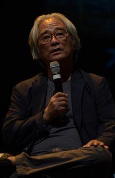 이윤택-문재인 동창 관계, '박근혜 집단은 비열하게 농락했다'