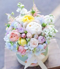 Trendy Ideas For Birthday Flowers Bouquet Beautiful Roses Floral Arrangements Flowers Roses Bouquet, Pastel Flowers, Rose Bouquet, Floral Bouquets, Pretty Flowers, Beautiful Flower Arrangements, Floral Arrangements, Wedding Flower Decorations, Wedding Flowers