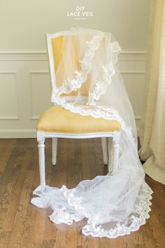 DIY Lace Veil  Read more - http://www.stylemepretty.com/2013/09/18/diy-lace-veil/