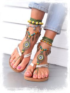 Beaded PEACOCK Feather BAREFOOT sandals Toe Thongs por GPyoga