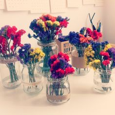 Ejército de ramilletes de flores secas