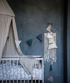 Eclectic baby nursery in white, beige and dark gray blue - Nursery Ideas & Decor