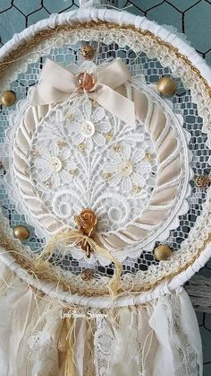 Dream Catcher Shabby Dream Catcher Doily Dreamcatcher Flower Decoration Beach We. Beautiful Dream Catchers, Dream Catcher Boho, Hand Embroidery Designs, Vintage Embroidery, Embroidery Hoops, Prince Charmant, Hoop Dreams, Fabric Ribbon, Shabby Chic Decor