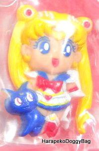 1995 : Japanese Anime / Shojo Manga : Bandai Gashapon Toys : Sailor Moon Super S : Sailor Moon / Usagi Tsukino & Luna Magnet