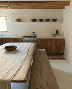 Long Kitchen, Kitchen Sets, Kitchen Trends, Interior Exterior, Kitchen Interior, Küchen Design, House Design, Rustic Loft, Rustic Feel