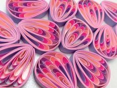 Purple and pink petals of Quilling flo multicolo - Quilled Paper Art Quilling Flowers Tutorial, Quilling Instructions, Paper Quilling Flowers, Paper Quilling Patterns, Paper Quilling Jewelry, Quilled Paper Art, Quilling Earrings, Quilling Paper Craft, Flower Tutorial
