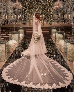 O casamento da Daniele e do Fabien foi um verdadeiro luxo! Cheio de charmes e detalhes. Nossa equipe ficou encantada por todos eles! Felicidades ao casal.