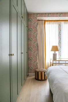 Bedroom Storage Ideas And Stylish Built-In Fitted Wardrobe Ideas Bedroom Storage Ideas And Stylish Built-In Fitted Wardrobe Ideas Bedroom Built In Wardrobe, Painted Wardrobe, Bedroom Closet Design, Bedroom Storage, Home Bedroom, Bedroom Decor, Built In Cupboards Bedroom, Build In Wardrobe, Wardrobe Designs For Bedroom