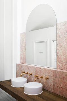 Aesthete Label love - One To Watch: Australian Interior Design Awards 2019 — Studio Gabrielle Australian Interior Design, Interior Design Awards, Modern Interior Design, Interior Colors, Interior Design Studio, Contemporary Design, Bathroom Spa, White Bathroom, Small Bathroom