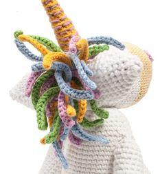 Instructions: Crochet unicorn as a tablet holder - Diy And Crafts Bee Crafts, Diy And Crafts, Diy Crafts For Boyfriend, Crochet Unicorn, Tablet Holder, String Bag, Lisa, Valentines Diy, Stuffed Toys Patterns