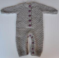 Baby bodysuit/ Heldress til baby: http://hektapaastrikk.blogspot.com/2010/01/herlige-heldress.html