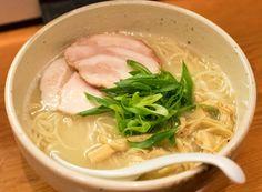 「臥龍」三軒茶屋 鶏チャーシュー麺