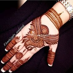 Here are stylish and latest Front Hand Mehndi Designs, Choose the best. Palm Mehndi Design, Simple Arabic Mehndi Designs, Indian Mehndi Designs, Mehndi Designs For Girls, Modern Mehndi Designs, Mehndi Design Pictures, Wedding Mehndi Designs, Mehndi Designs For Fingers, Beautiful Henna Designs