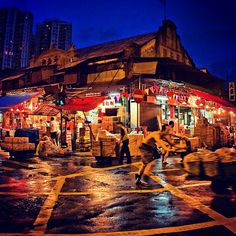 #CHIneighbourhoods Yau Ma Tei Fruit Market is a historical building from 1910 that is still the predominant venue for wholesale fruit sales in HK