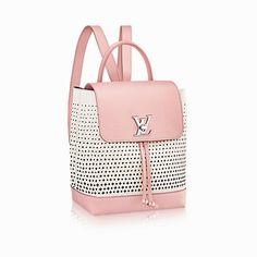 8cd519a94b Pretty Handbag You Gotta Have for Preppy Outfits #womensfashion Sac À Dos  Chanel, Sacs