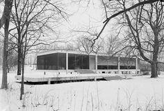 "Farnsworth house (Ludwig Mies van der Rohe) ""Illinois, USA"""