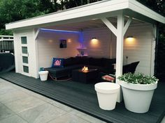 Woodvision Blokhut Kiekendief 200x300 cm + luifel 500 cm - Product in beeld - Startpagina voor tuin ideeën | UW-tuin.nl