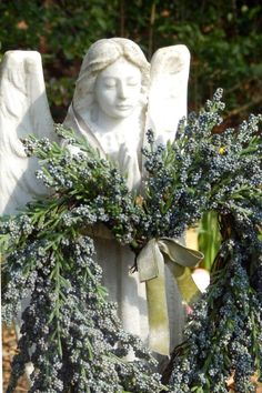 Photo by Anita Russell In Memorium, I Believe In Angels, Angel Dress, Angels Among Us, Angel Statues, Crosses, Garden Sculpture, Beautiful Pictures, Board