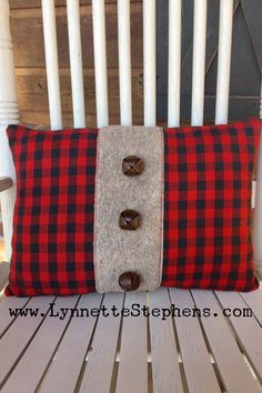 I made this pillow from napkins I purchased in the Christmas section at Hobby Lobby. The napkins wer Christmas Sewing, Plaid Christmas, Christmas Deco, Christmas Projects, Rustic Christmas, Christmas Crafts, Christmas Lights, Xmas, Sewing Pillows