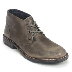 Mens Business Casual Shoes, Mens Work Shoes, Mens Fashion Casual Shoes, Fashion Shoes, Casual Boots For Men, Male Fashion, Men Casual, Chukka Sneakers, Mens Chukka Boots