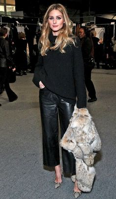 How Olivia Palermo Wears Leather Culottes (Le Fashion) Photo via: People Style Olivia Palermo is the epitome of chic no matter the event and this leather culotte look is certainly no exception. The fashion darling pulled off a pair with the help of a chun Look Fashion, Street Fashion, Fashion Outfits, Paris Fashion, Fall Fashion, Fashion Women, Fashion Ideas, Trendy Fashion, Fashion Online