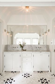 White bathroom by Jessica Helgerson Interior Design