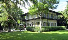 Hemingway House en Key West. Este famoso escritor eligió Key West como refugio personal para alejarse del mundo y escribir en sus libros. ¿Quién no quisiera hacer lo mismo?