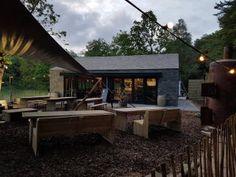 Wat en toffe plek ! Bosrestaurant Buiten in de Kuil. Openingstijden: We zijn dagelijks geopend voor koffie & taart, lunch, borrel en diner. Maandag t/m donderdag van 9.30 tot 19.30 uur (evt. later bij mooi weer) Vrijdag t/m Zo…