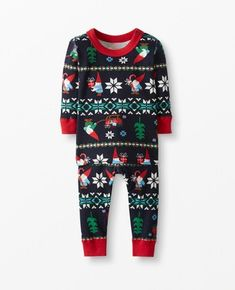 Matching family holiday pajamas is the trend of the year! We are sharing all our favorite matching family pajamas sets this year! Matching Family Holiday Pajamas, Family Pajama Sets, Family Pjs, Baby Boy Pajamas, Toddler Pajamas, Best Pjs, Boys Sleepwear, Red Romper, Long Johns